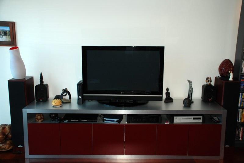meuble-tv-assorti-facade-cuisine